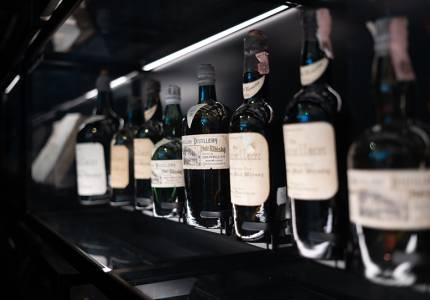 Удължава се срокът за влизане в сила на новите бандероли за бутилиран алкохол до 1 април 2022 г.