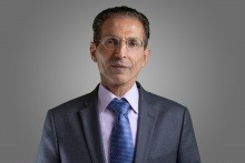 Д-р Еран Ешхар